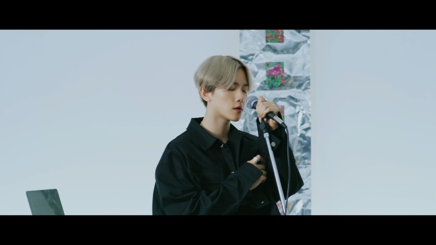 BAEKHYUN 백현 'UN Village' Live Session