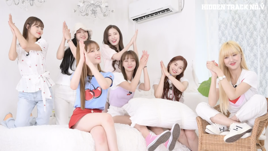 OH MY GIRL's Song Recommendations to Listen On a Summer Night EP.02