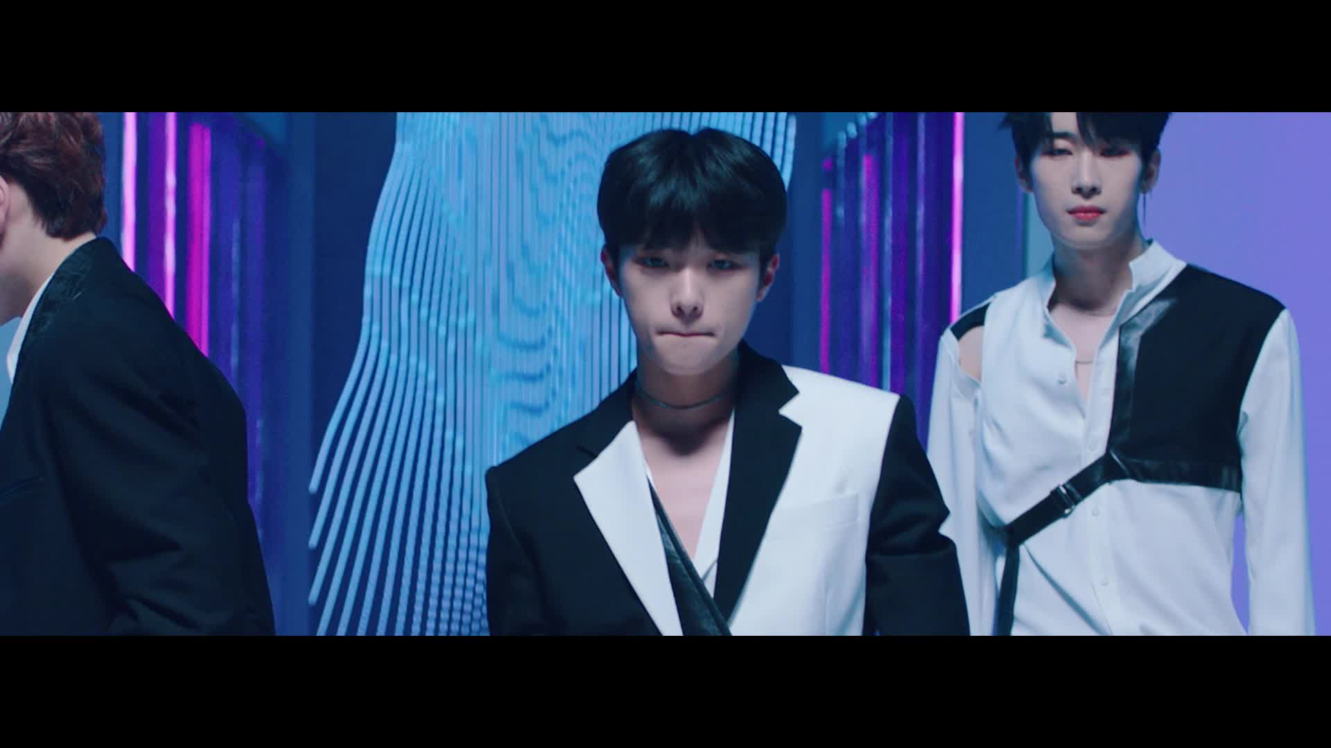 X1 (엑스원) - 'FLASH' MV