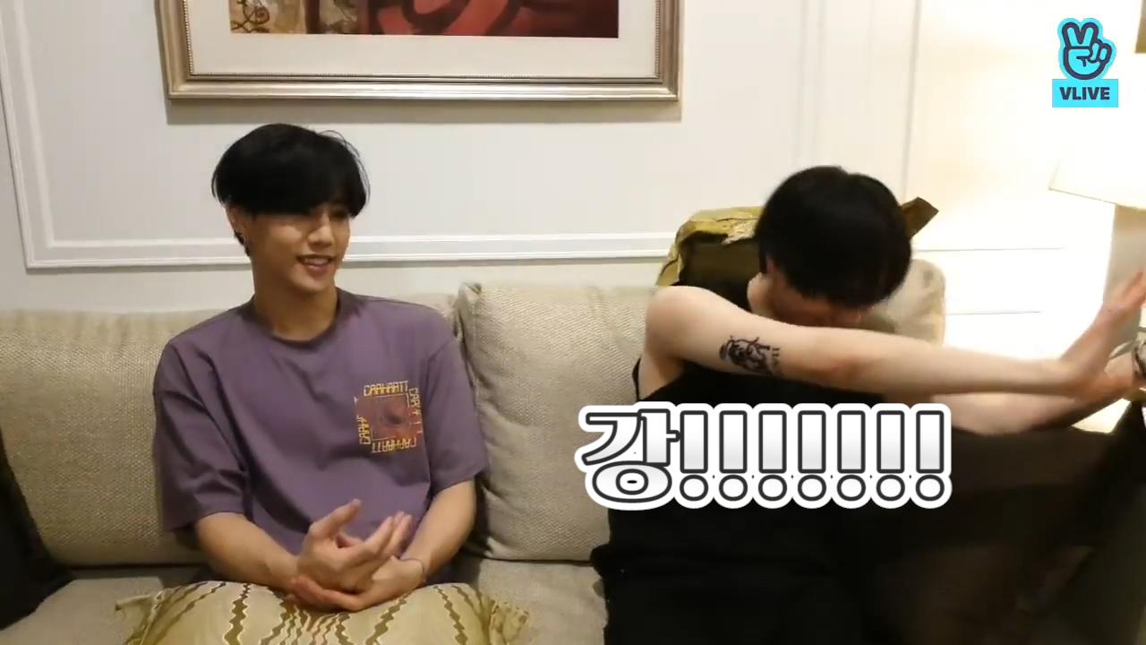 [GOT7] 동방예의지국이 사랑하는 인사성 바른 아이돌 1위 그거 갓세븐 해💚 (Mark&YUGYEOM talking about Mark's birthday)