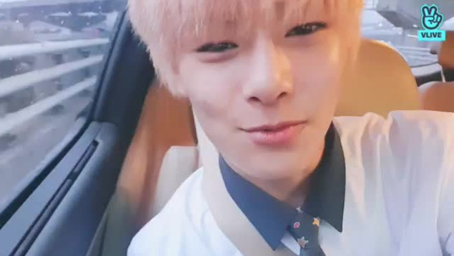 V LIVE - The Youngest's Private Life 17🦊 On my way to school~~
