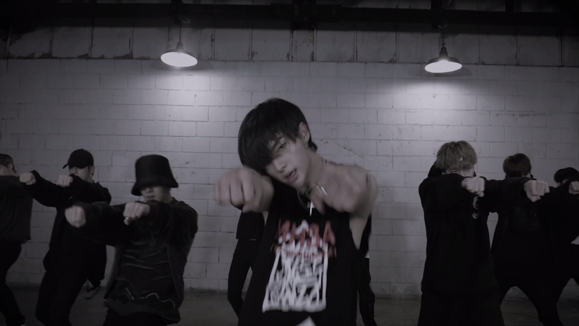 "Stray Kids(스트레이 키즈) ""Double Knot"" Dance Practice Teaser"