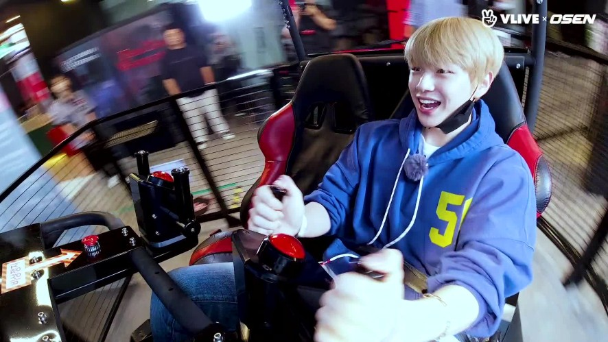 KANG DANIEL, so into VR games #Star road 06