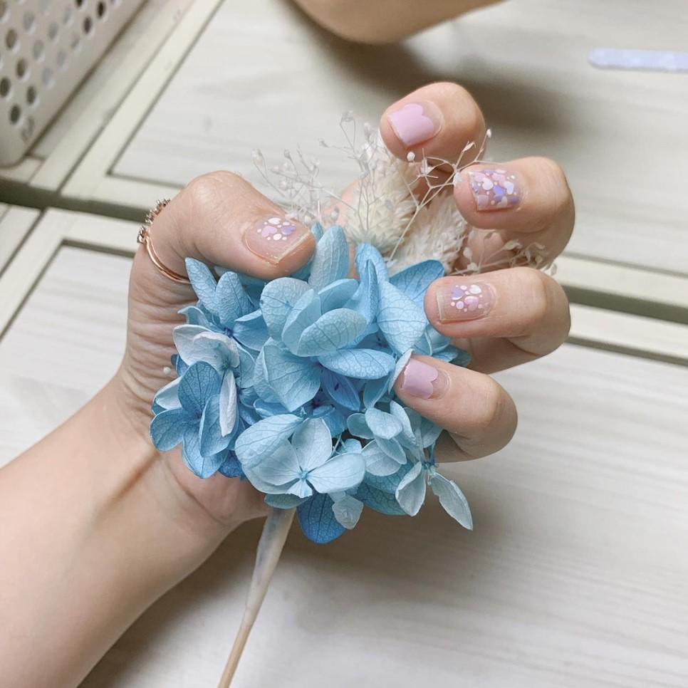 예쁜 젤 네일스티커 잘 붙이는 방법(How to make a pretty gel nail sticker work)