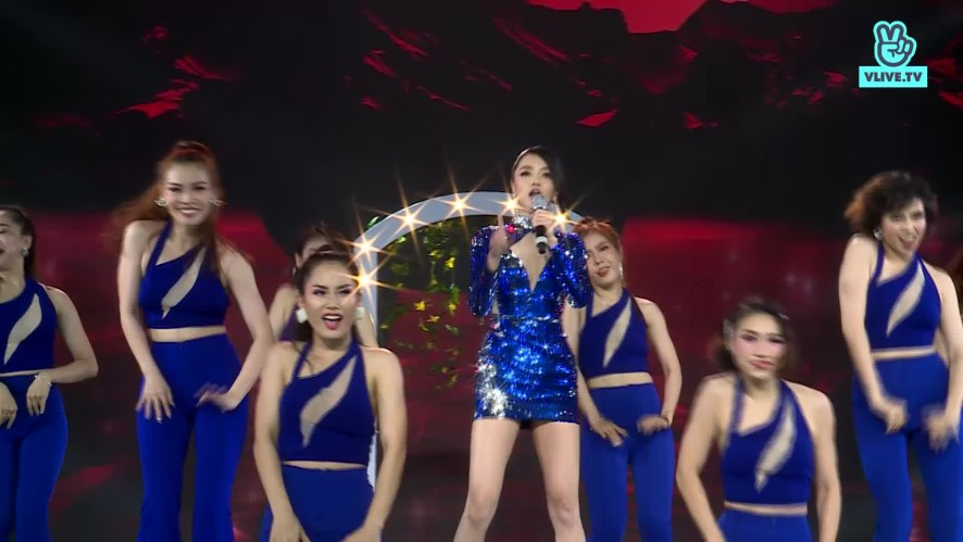 Bích Phương - Vâng anh đi đi & Đi đu đưa đi - V HEARTBEAT LIVE OCT 2019