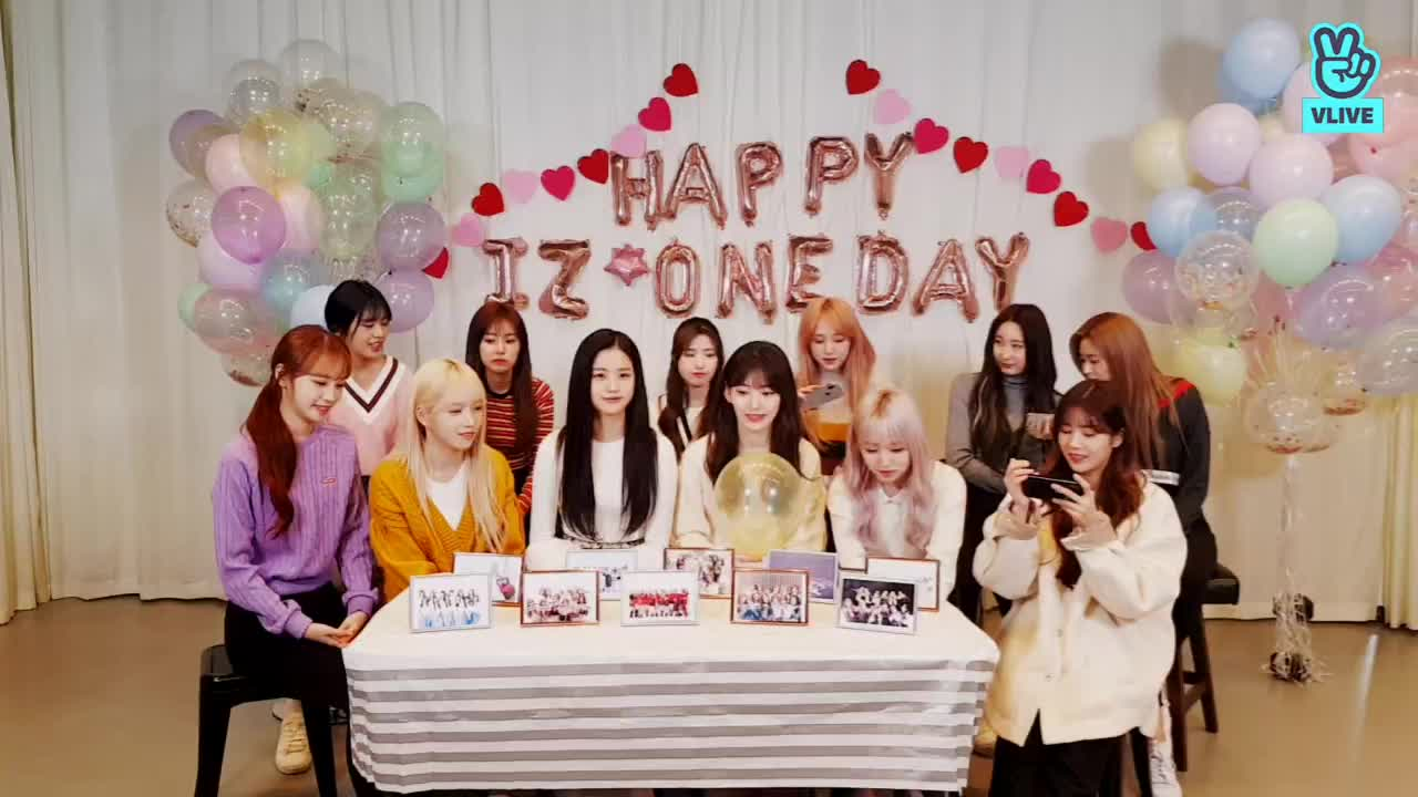HAPPY IZ*ONE DAY💕
