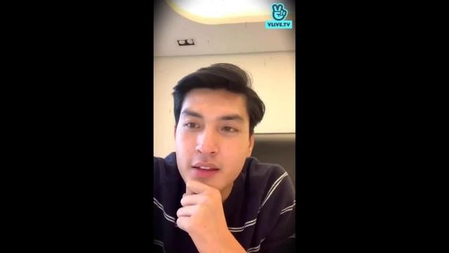 Quang Đại chào fan VLIVE