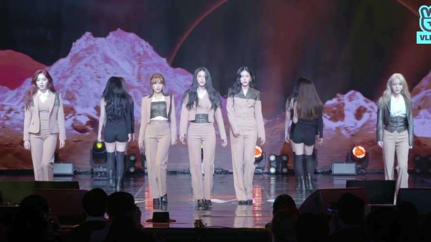 AOA 6TH MINI ALBUM <NEW MOON> SHOWCASE 'Sorry'