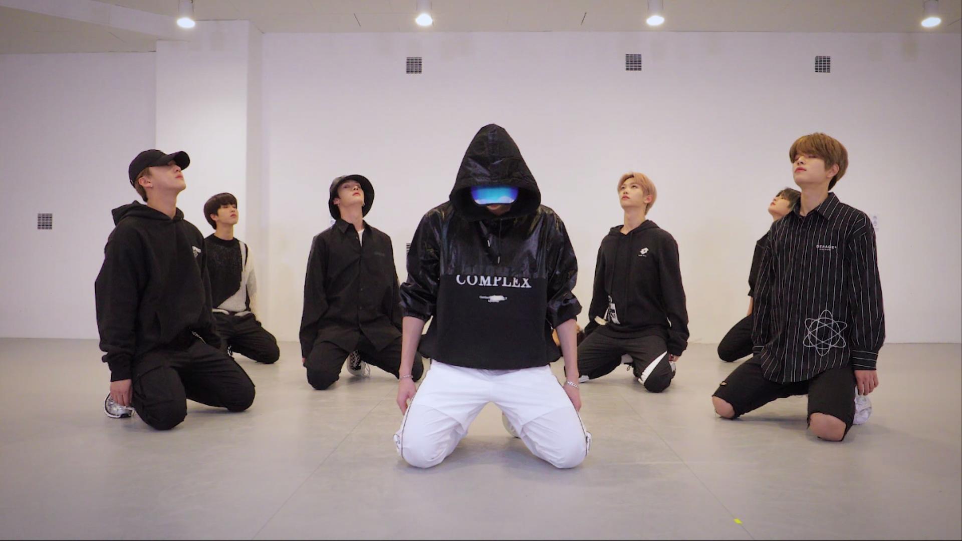 "Stray Kids(스트레이 키즈) ""바람"" Dance Practice Video"