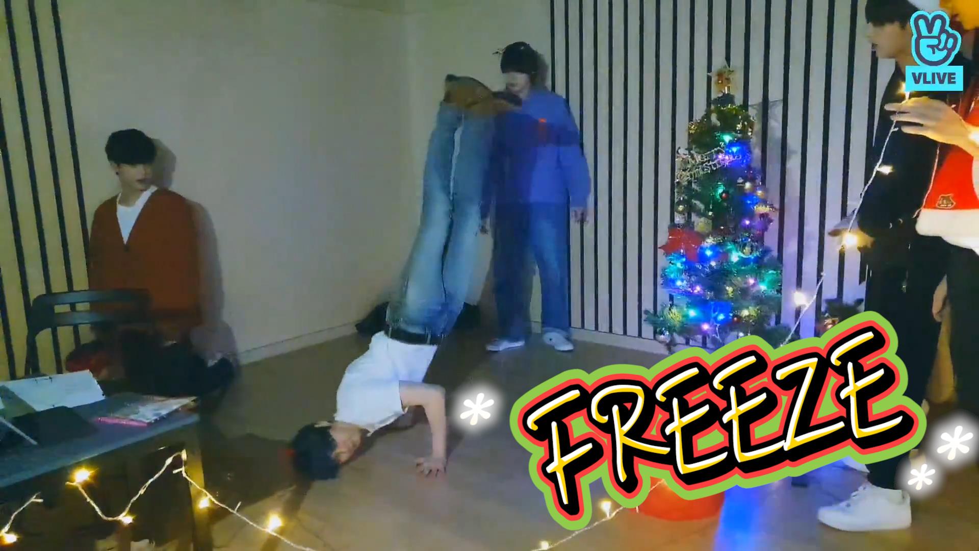 [TXT] 이 순간을 ❄️FREEZE❄️ 하고 싶은 투바투의 꾸미 트리기 시간🎄💕 (TXT drawing Christmas trees&making Christmas trees)