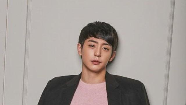 현우 (Hyun Woo) -  V Channel OPEN