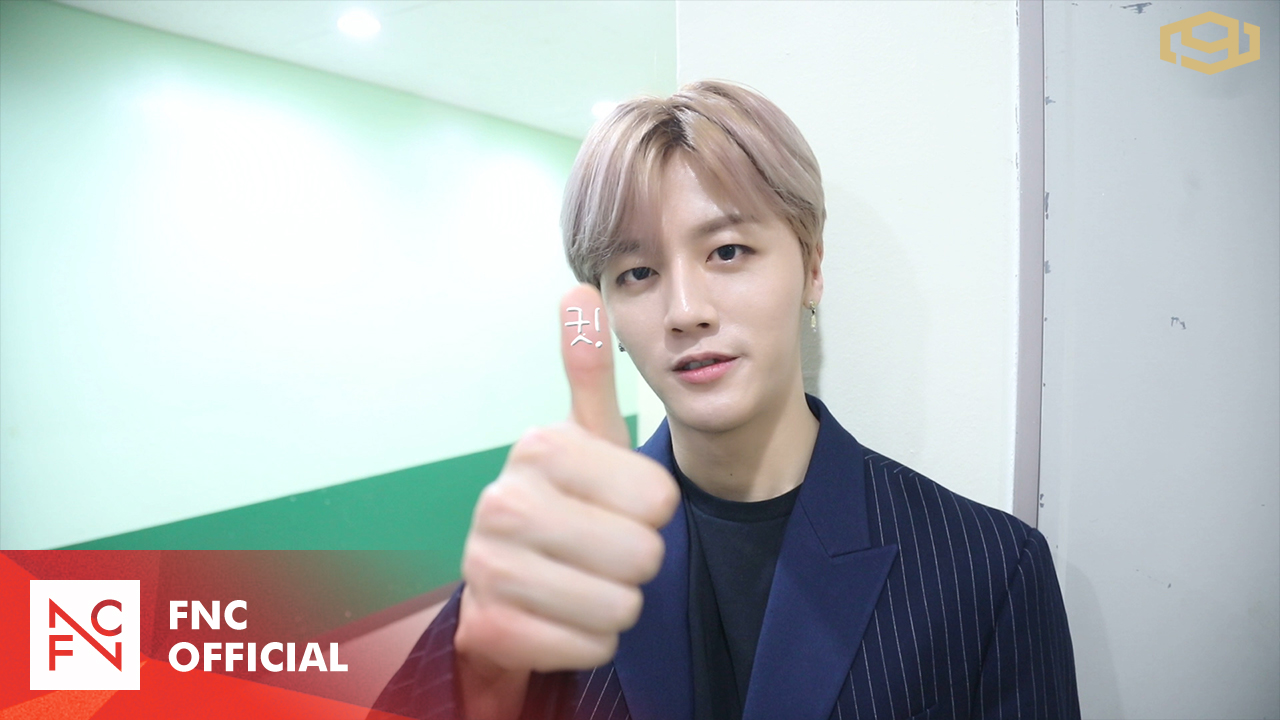 SF9 1ST ALBUM [FIRST COLLECTION] Showcase Behind
