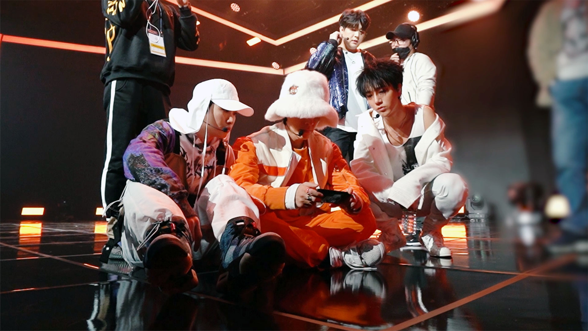 SUPER JUNIOR THE STAGE Behind The Scene