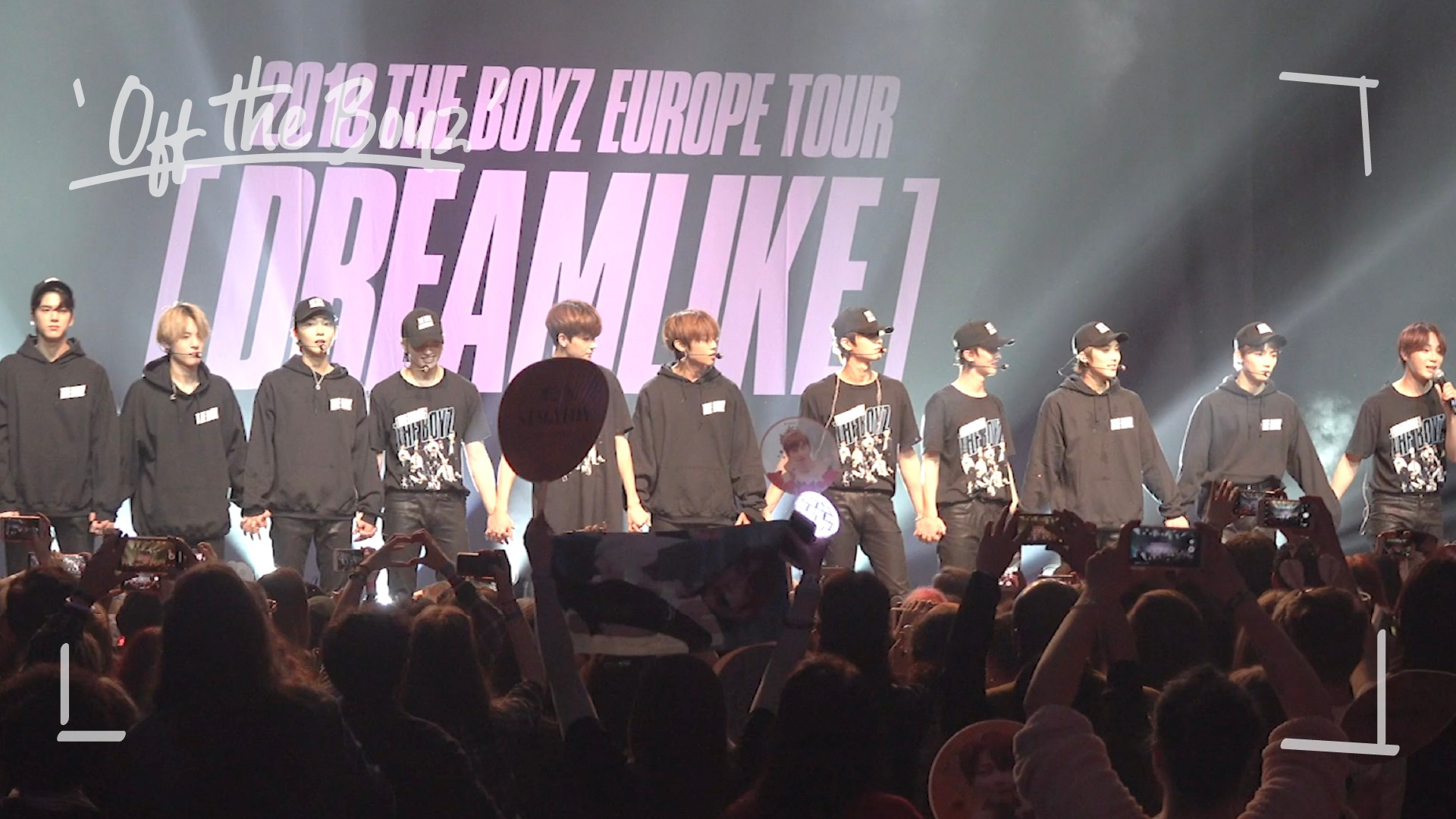 [OFF THE BOYZ] EUROPE TOUR IN PARIS Behind