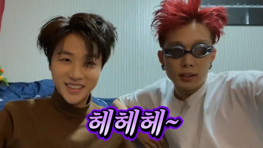 [iKON] JAY&BOBBY playing with swimming goggles
