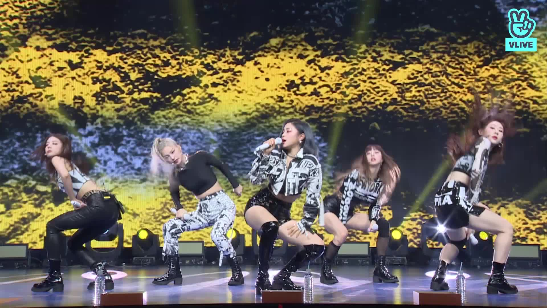"""ITZY(있지) """"24HRS"""" @ LIVE PREMIERE"""