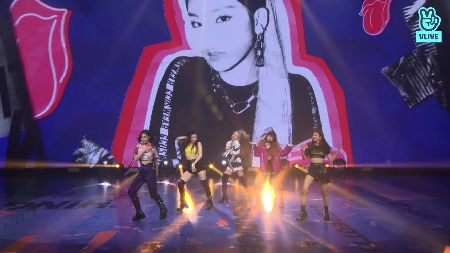 """ITZY """"WANNABE"""" #2 @ LIVE PREMIERE"""