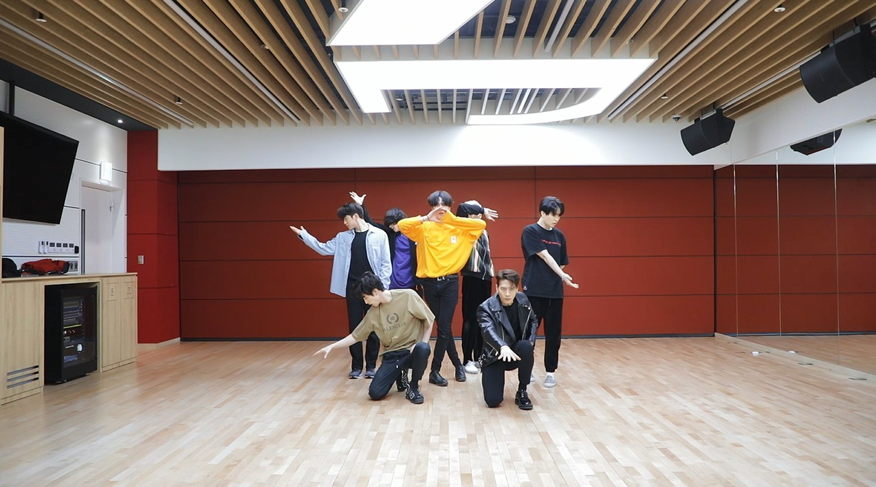"GOT7(갓세븐) ""NOT BY THE MOON"" Dance Practice"