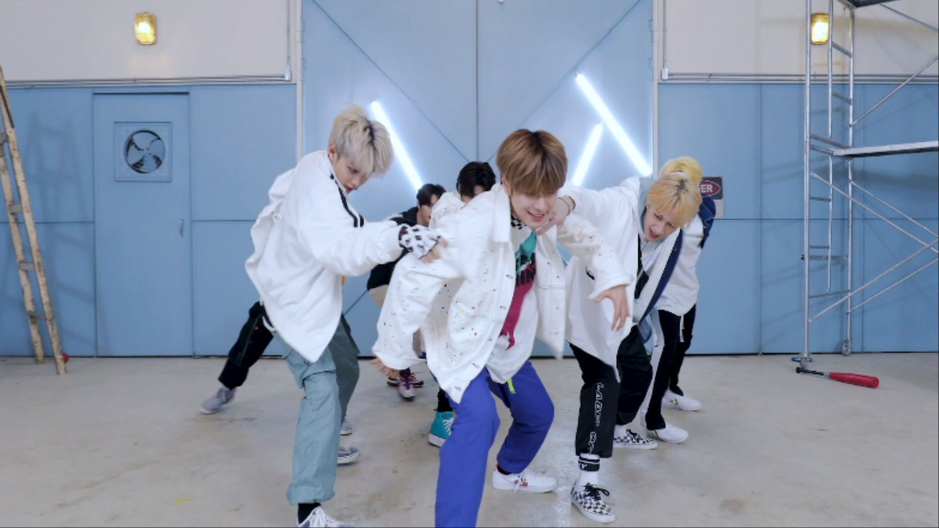 "Stray Kids(스트레이 키즈) ""Boxer"" Special Video"