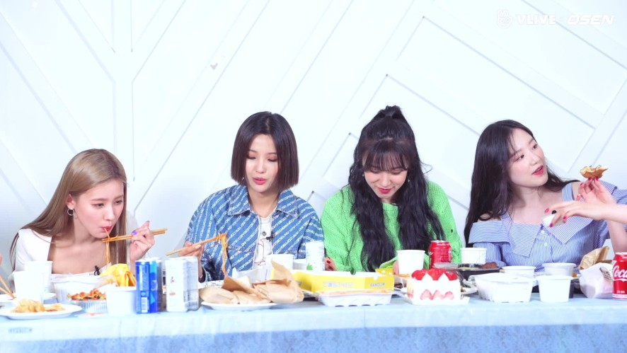 """GIDLE, Let's get honest """"The ultimate dream is?""""#STARROAD 10"""