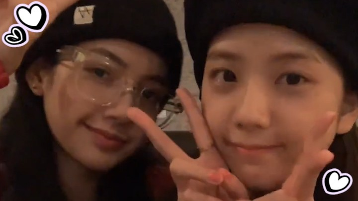 [BLACKPINK] 1일1블핑 하면 독수리랑 친구 먹기 핑파서블👓🦅 (JISOO&LISA talking about glasses)
