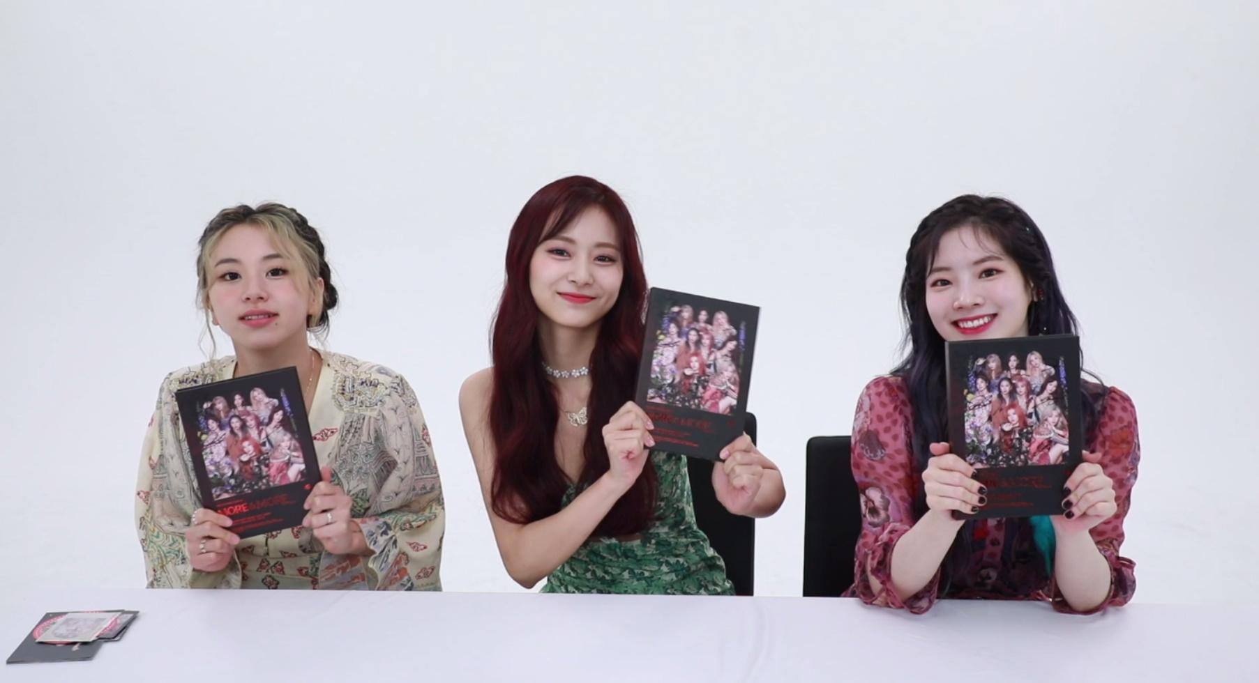 "TWICE(트와이스)'s Album Unboxing ""MORE & MORE"" – 다현 채영 쯔위"