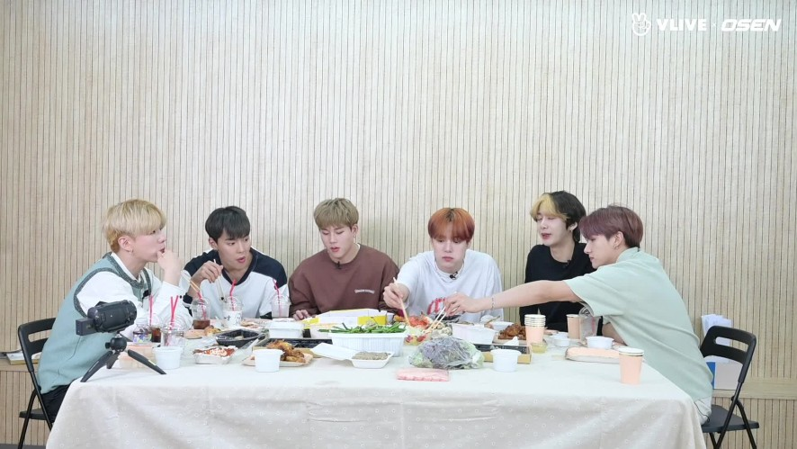 MONSTA X, teasing each other during the talk #STARROAD 11