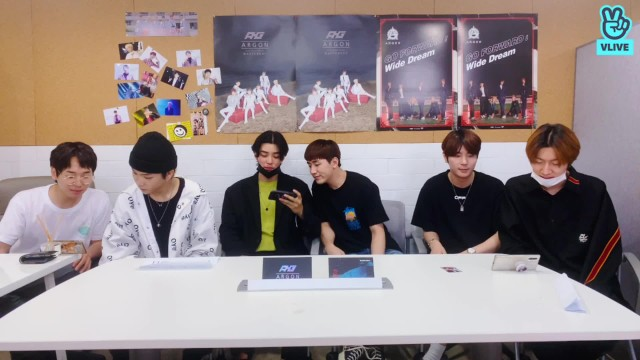 [ARGON] 뒤늦은 앨범 언박싱 & 셀카 대회 ✌🏻