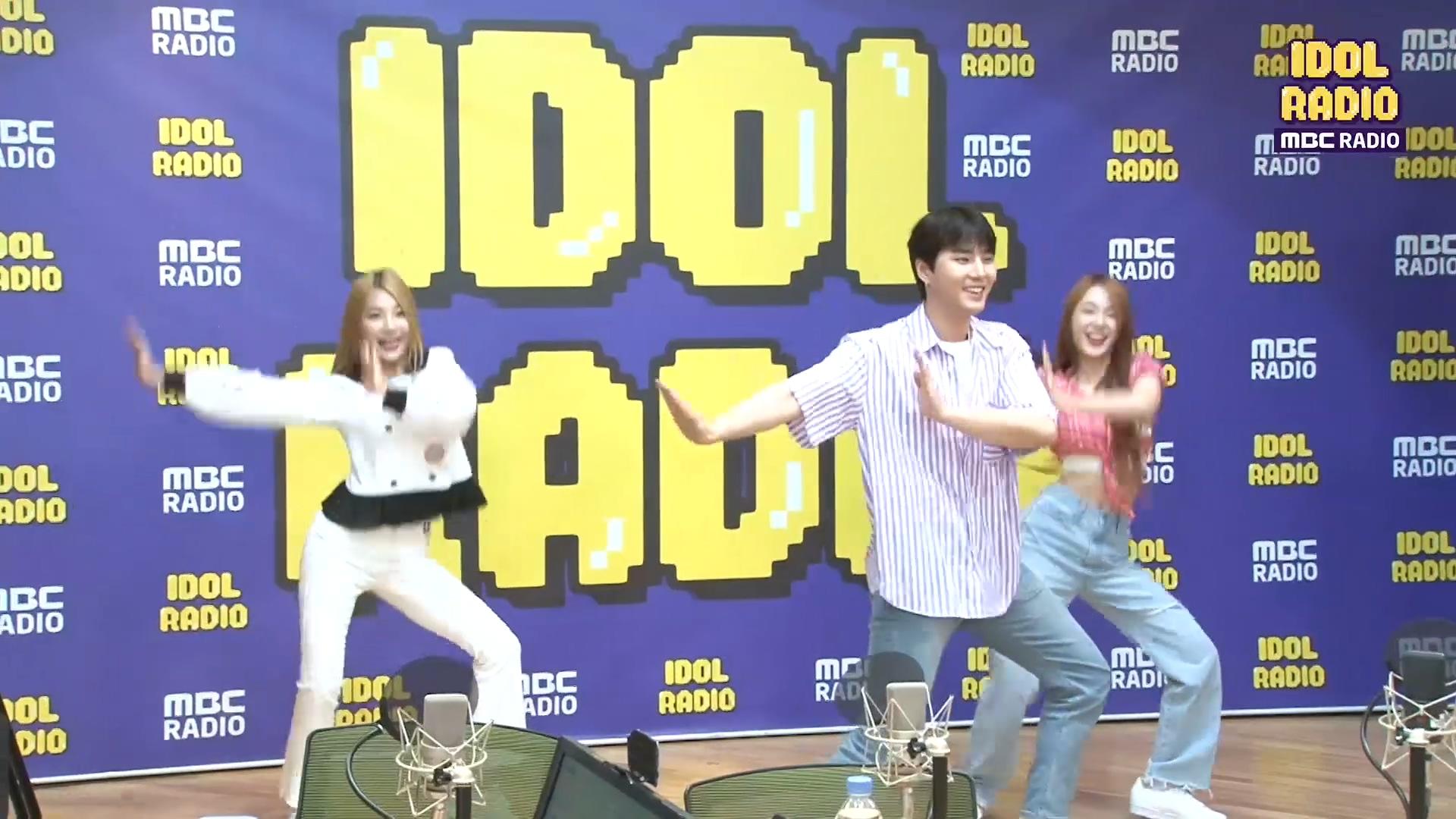즉흥 콜라보! 우아! 나나&민서(feat. 영케이) '달라달라' ♬