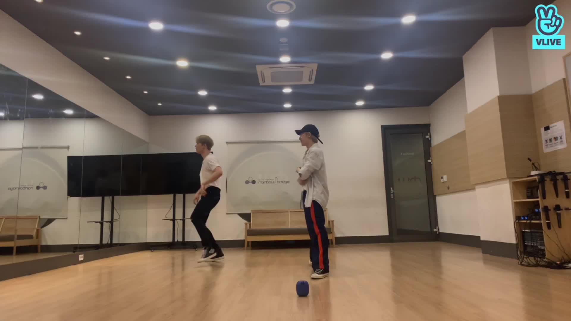 🐯+🐤+dance=👍🏻