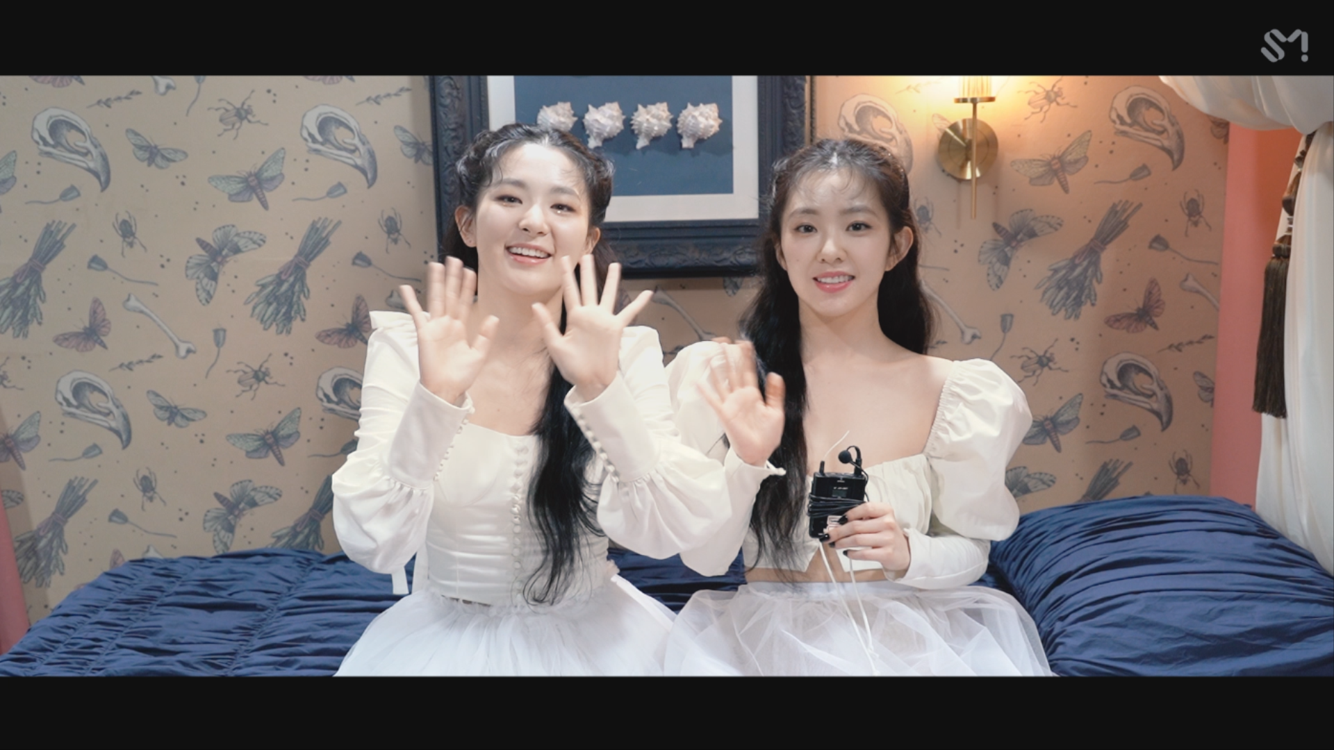 Red Velvet - IRENE & SEULGI 'Monster' MV Behind The Scenes