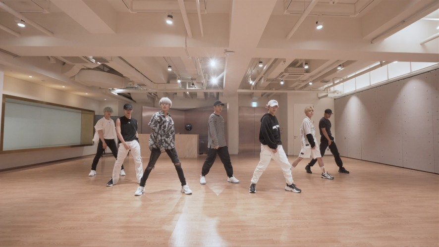 WayV 威神V 'Bad Alive (English Ver.)' Dance Practice