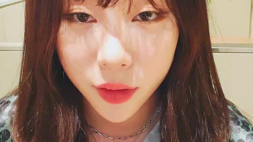 [Yeonjung] Dropped By Briefly Before Going Home 🤓