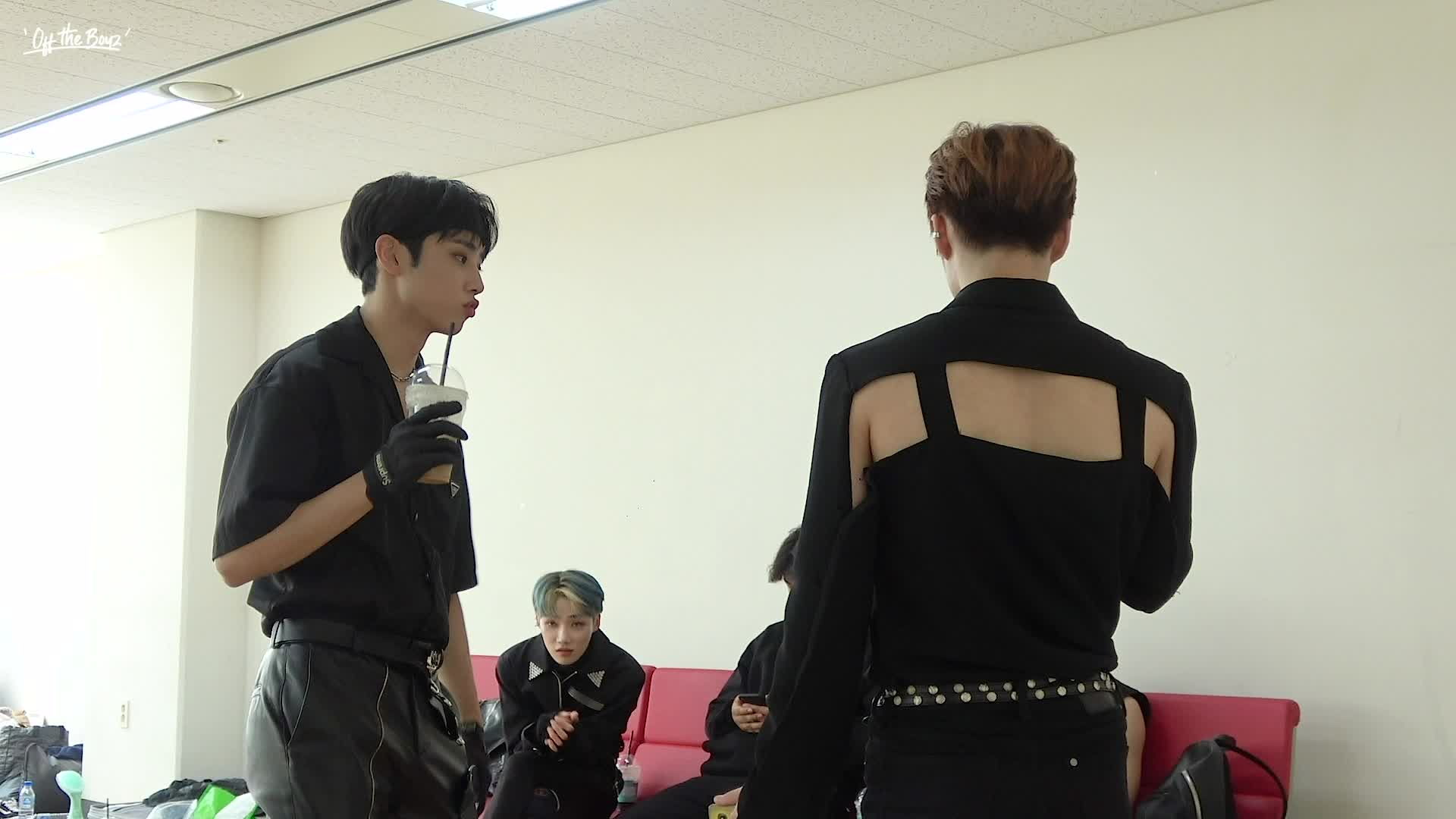 [OFF THE BOYZ] 'The Stealer' Behind