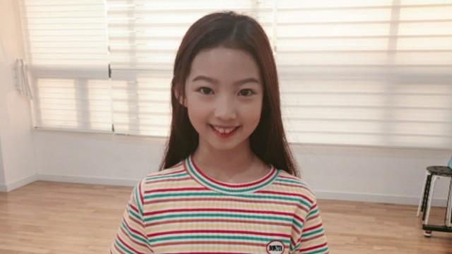 시윤이 혼자 연습실에서 개인 연습해요!