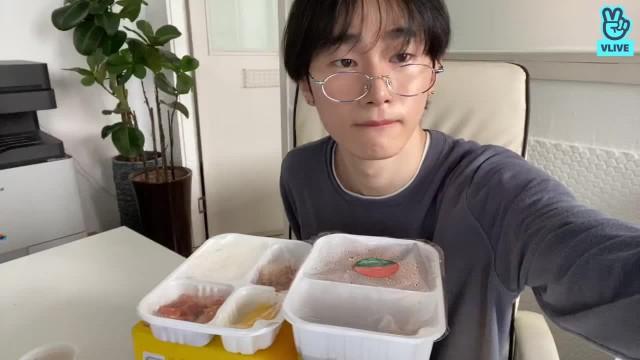 [JUEUN] 밥 모글꺼야요