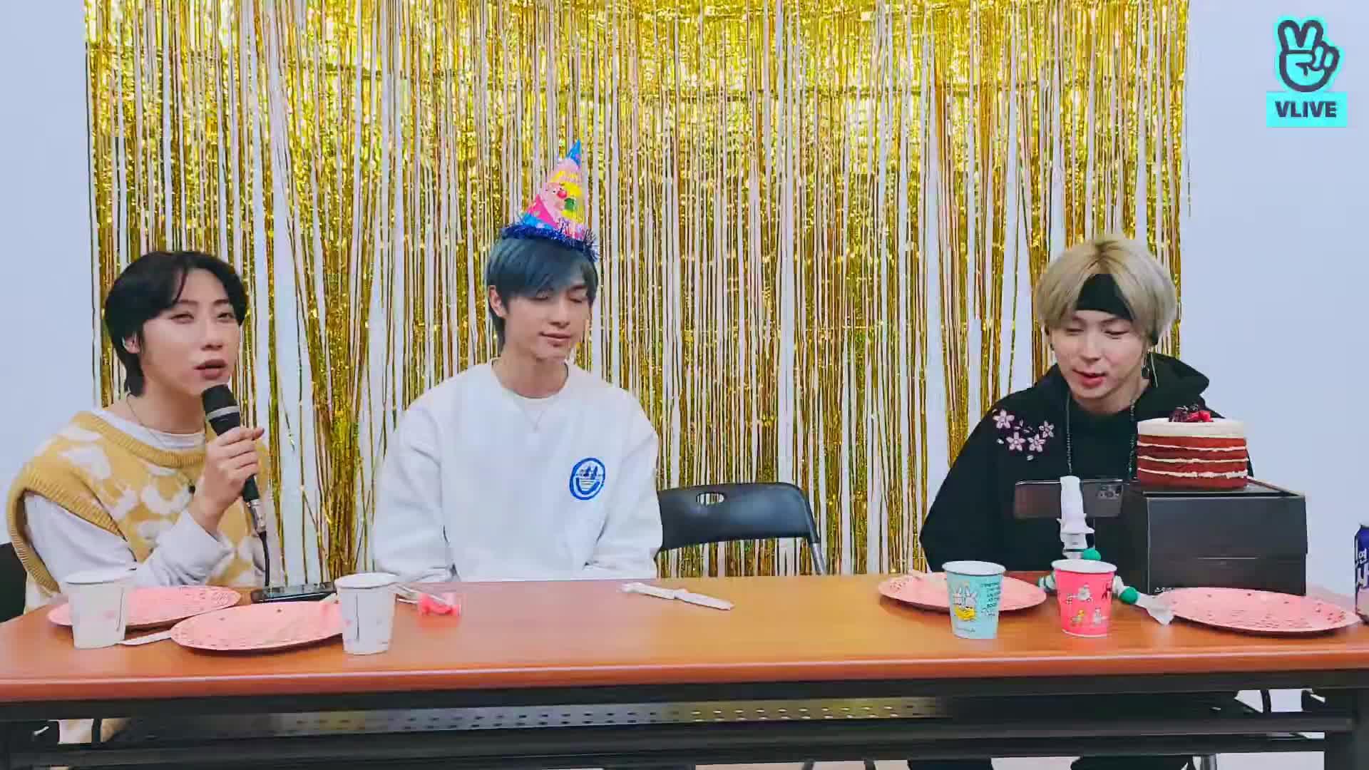 강현구 (님)의 23번째 생일을 진심으로 축하드려봅니다.