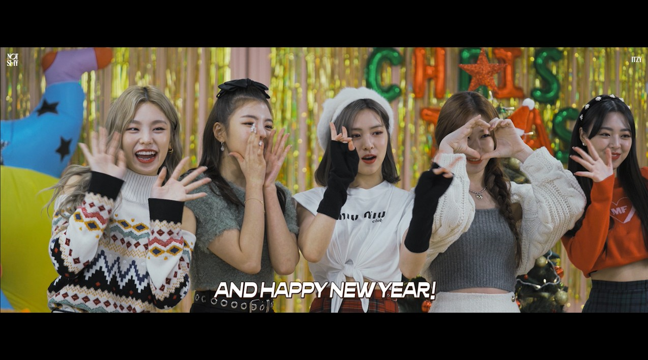 "ITZY(있지)'s ""Not Shy"" Christmas"