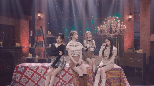 aespa 에스파 'Forever (약속)' The Performance Stage (Cozy Winter Cabin Ver.)