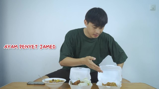 Ayam Penyet Jamed | Trying food with unique name
