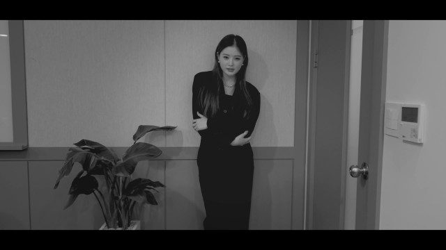 KIARA(키아라) Parody - RAIN(비) - MAGNETIC (Feat. 잭슨(Jackson Wang)) MV #intheoffice​ 패러디
