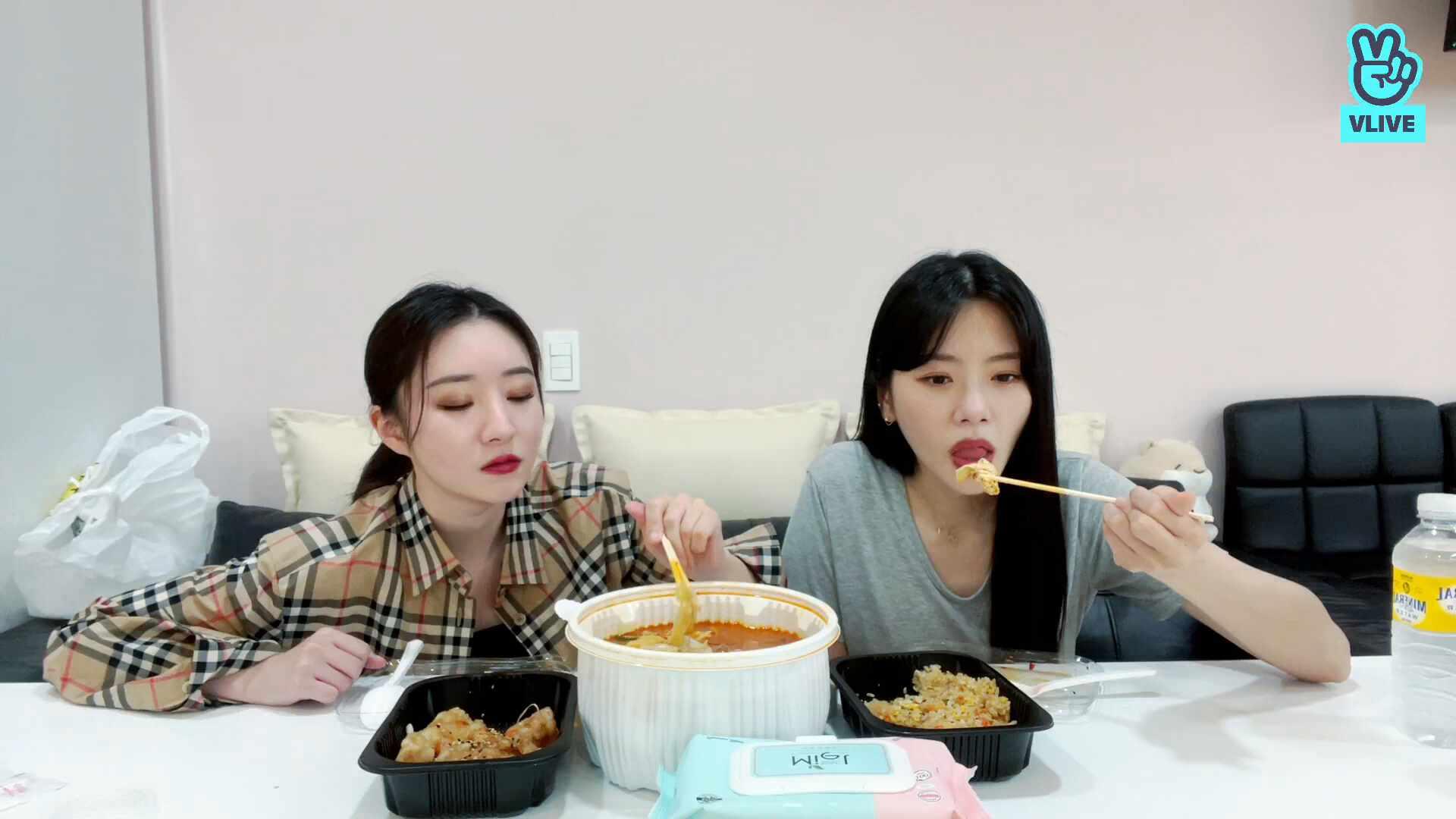 [드림캐쳐] 밥묵쟈아~~~🤗