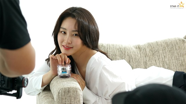 [신아영] 투에버 '롤프' 광고 촬영 비하인드