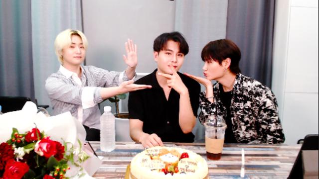[D.COY] 정민이의 생일파티에 여러분을 초대합니다!!