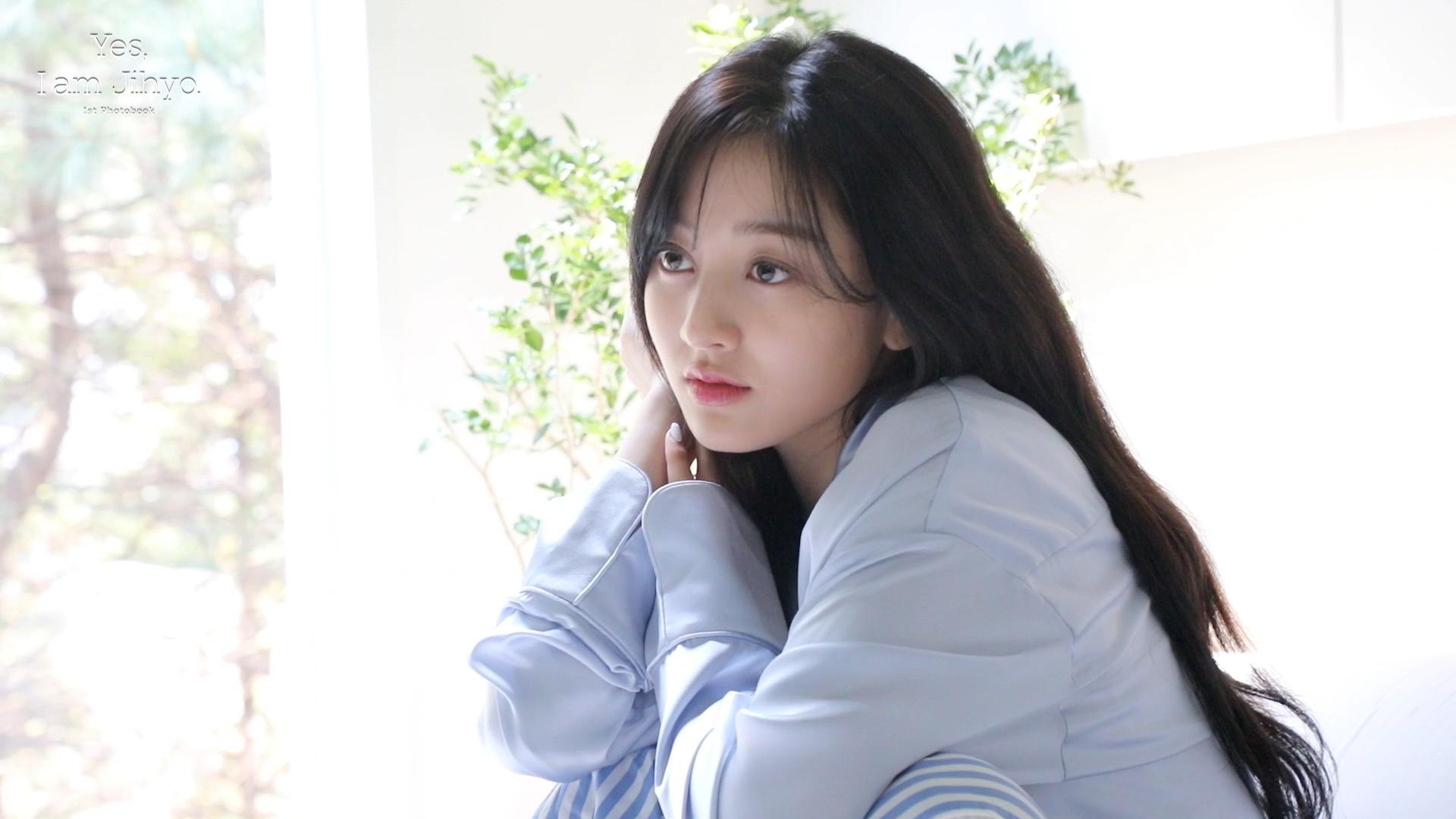 Yes, I am Jihyo. Behind the Scenes