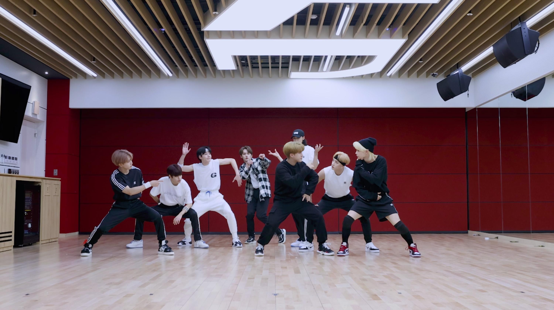 "Stray Kids(스트레이 키즈) ""소리꾼"" Dance Practice Video"