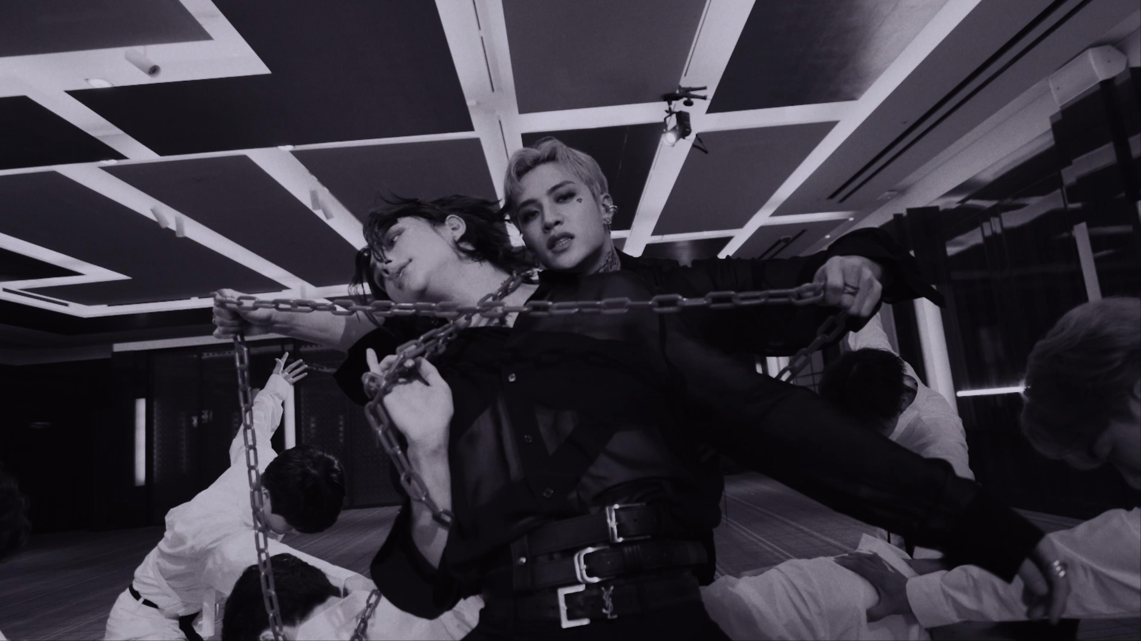 """Stray Kids(스트레이 키즈) """"강박 (방찬, 현진)"""" Video"""